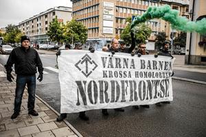 Nazistiska, Nordiska motståndsrörelsen stör prideparaden i Falun 2017.