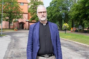 Sandvikens kyrkoherde Jan Anders Jansson tror att den höga arbetslösheten kan vara en anledning till varför Sandvikenborna skiljer sig.
