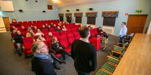 Mötet hölls i biosalongen i Folkets Hus.