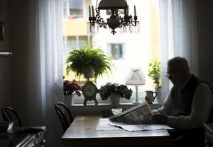 Ensamheten är ett folkhälsoproblem, framför allt bland äldre, skriver Lena Rådström Baastad  (S).