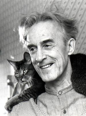 Werner Aspenström, med katt på axeln.Foto: Okänd