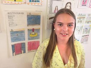 Amanda Strandberg var en av många elever från Hammarskolan som ställde ut på Stenhuset.