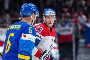 Larsson var inte glad på Jaskin. Foto: Bildbyrån.