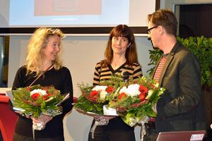 Teater Soja (Sofia Andersson, Malin Berglund och Jan Boholm) tar emot utmärkelsen