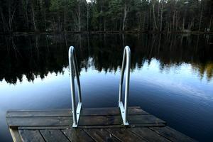 För att skydda våra badvatten bör det bli obligatoriskt att besikta enskilda avlopp.  Foto: TT