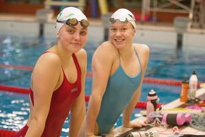 Edith Jernstedt och Hannah Brunzell är två stora medaljhopp för Västerås SS.