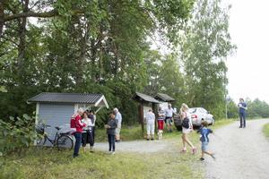 Gåbingo runt Eskiln tar cirka 40 minuter. Men arrangörerna från Västanfors Bandy är där mellan klockan 17.00 och 21.00.