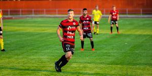 Köping FF jagar Gideonsbergs IF i toppen av division 4