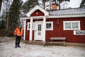 Stig Eriksson satte upp en kamera i Korskrogens bastu, som är en privat fastighet, i syfte att säkra bildbevis åt polisen.
