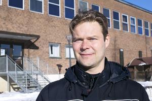 """""""Det handlar om att vi måste omorganisera och fördela resurser"""", säger Torkel Holst."""