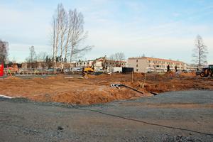 Bygget är i gång till Paradisskolan i Borlänge. Skolan planeras för 600 elever samt en sporthall.