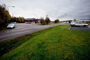 Arbetsplatsområde Bäckelund. Bland annat Bilprovningen ligger på arbetsplatsområde Bäckelund. Industriområde Norra Backa finns inte längre.