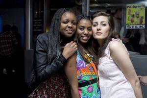 Silk Rafaela, Lola och Mastune.
