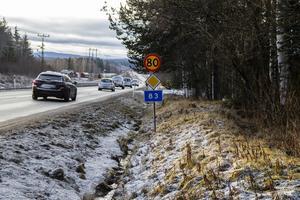 Väg 83, mellan Bollnäs och Vallsta, är i stort behov av åtgärder.