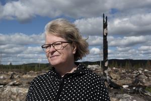 Kärstin Eriksson hamnade mitt i händelsernas centrum när hennes sommarhem Brattsjö härjades av en historisk brand.