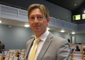 Tidigast i september ska kommunstyrelsen, senare kommunfullmäktige, ta ställning till förslaget om delar av Vinter-OS 2026 i Falun, säger kommunalrådet Joakim Storck (C).
