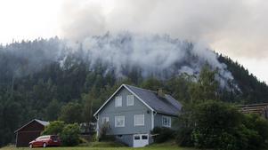 En skogsbrand utbröt på Bureberget i Ljustorp, Timrå, den 19 juli efter ett blixtnedslag.
