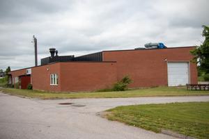 Industriprogrammets lokaler vid Vasagymnasiet kan komma att säljas, berättade utbildningsnämndens ordförande i veckan. Nu fruktar grannar till skolan att trafiken i så fall kan påverkas.