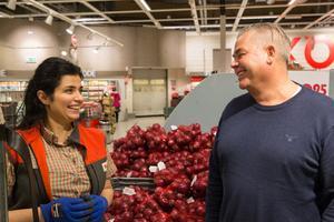 Shahad Hassan har fått fast arbete hos Jonas Berg via Södertälje kommuns arbetsmarknadsprojekt K2.
