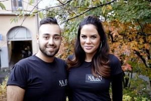 Örebrofrisörerna Nathalie Nieminen och Ankido Shamion driver gemensamt företaget NA.AN hairperfection, där fokus ligger på hembesök hos kunder som av olika anledningar har svårt att ta sig till en frisersalong.