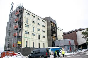 Bygget har hittills flutit på utan större förseningar.