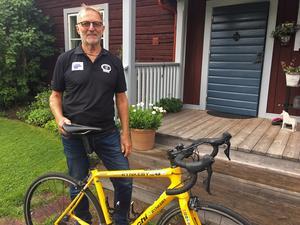 Magnus Giers hemma i Moje igen efter 130 mil på cykeln.