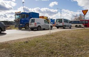 Korsningen vid Höga, norr om älvbron i Ljusdal, skapar oenighet mellan Ljusdals kommun och Trafikverket.