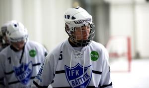 Alfred Rustas debuterade i A-laget i Rättvik redan innan han flyttade till Edsbyn för att gå på bandygymnasiet.