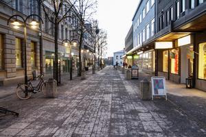 Snöfria gator den 9:e januari i Härnösand.