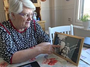 1946 såg Doris Nyman sina två äldre bröder drunkna. Bilden är den enda där de tre syns tillsammans.