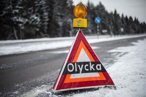 Man känner en oro när man kör vägsträckan, för man vet att något kommer att hända nu när snön och halkan kommer, skriver signaturen