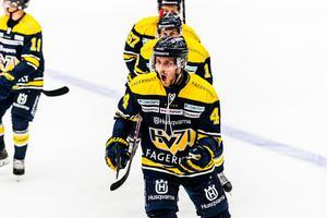 Mikko Lehtonen har varit en tongivande spelare i HV71 den här säsongen.
