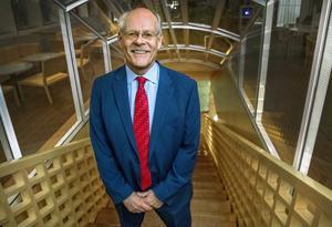 Riksbanken och dess Stefan Ingves berömmer sig i sin senaste rapport. Foto: Claudio Bresciani
