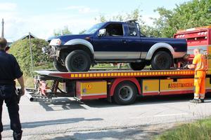 Vägen öppnades strax efter 16-tiden, efter att EPA-traktorn bärgades bort.