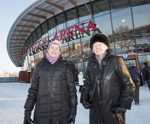 MagdalenaBergström,20 år, Torvalla:– Ja. Jag fryser nu, men jag skulle nog frysa ännu mer utan långkalsonger. Jag började använda dem någon gång idecember.