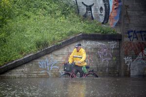 Översvämning igen vid Järnvägsviadukten Årsundavägen. Sveavägen.