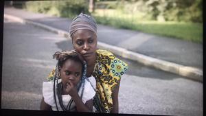 Ndey Jeng och hennes dotter Kadedja, från Söderhamn, är två av filmens skådespelare. (foto: Kw Studios)
