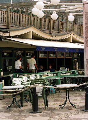 Brända Bocken så som byggnaden såg ut innan restaureringen 2000-01. FOTO: Pernilla Wahlman.