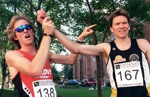 Jonny Danielsson, tull höger, efter segern i Marknadsloppet i Falun 1997. Foto: Esbjörn Johansson