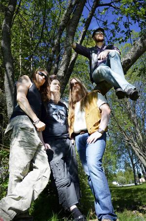På lördag spelar Gudars Skymning på Plaza i Östersund. Till hösten är de också aktuella med nytt album.