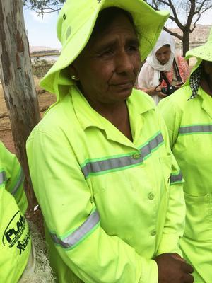 Ett av projekten är en förskola, som gör det lättare för kvinnor i Bolivia att kunna jobba. Calletana, på bilden, berättar att de tidigare kunde binda barnen och hänga upp dem i träd för att inte spindlar, skorpioner och ormar skulle komma åt dem.