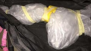 Vapnet var väl inpackat i bilen. Bild: Polisens förundersökning.