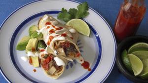 Mexikanska burritos är tortillabröd som oftast fylls med olika röror av bönor, ris, kött, salsa eller guacamole.