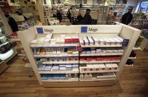 Den receptfria avdelningen på ett svenskt apotek. På bilden en hylla med medicin för magen. Arkivbild.Foto: Fredrik Sandberg.