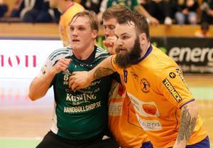 195 centimeter långe och 115 kilo tunge Mikael Wallin är en tvättäkta försvarsbjässe.