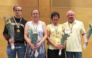Pernilla och Alexander, Tandsbyn och Carina och Sven-Erik, Gällö, visade framfötterna i Bridge-SM.