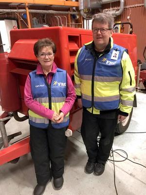 Annlill Permats och Lars Granqvist tycker att fler borde ta chansen att delta i FRG-gruppens arbete – och stärka tryggheten i komunen. Foto: Privat
