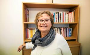 Annakari Berglund, ordförande i Verdandi Dalarna, går i svaromål på kritiken som organisationen fått från en M-ledamot i socialnämnden i Borlänge kommun.