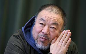 Konstnären Ai Weiwei återkommer ständigt till dagens flyktingsituation, som han ser som en kris för hela mänskligheten. Bild: Johan Nilsson/TT