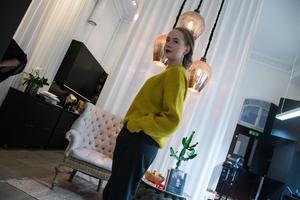 Hårmodellen Emelie Lundberg är nöjd med sin uppsättning.